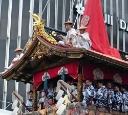 祇園祭 長刀鉾 注連縄切り