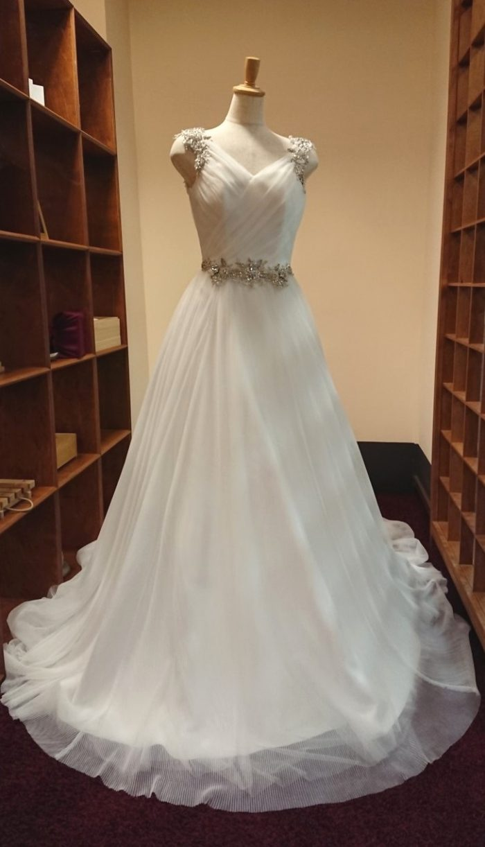 東京店のウェディングドレス